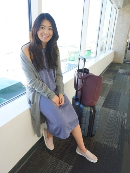 Comfy & trendy airport outfit